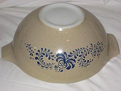 Vintage 1970's Pyrex HOMESTEAD Tan & Blue Cinderella 2 1/2 Quart Mixing Batter Nesting Bowl - Made In USA