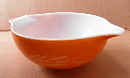 Vintage Pyrex 443 Harvest Wheat Cinderella Mixing Bowl - 2.5 Liters - 8 3/4 inches in diameter x 3 3/4 inches tall