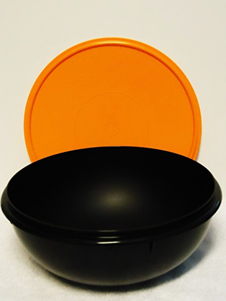 Tupperware 26 Cup Fix N Mix Bowl. Black with Orange Seal